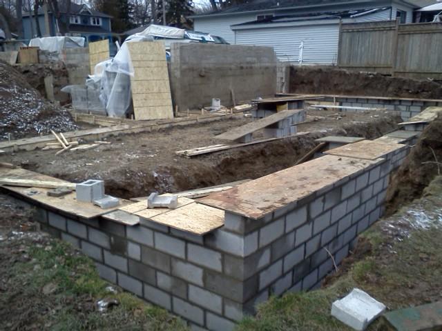 Foundation walls coming along