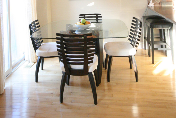 Impulse purchase – 10 pc. dining set (table + 8 chairs)