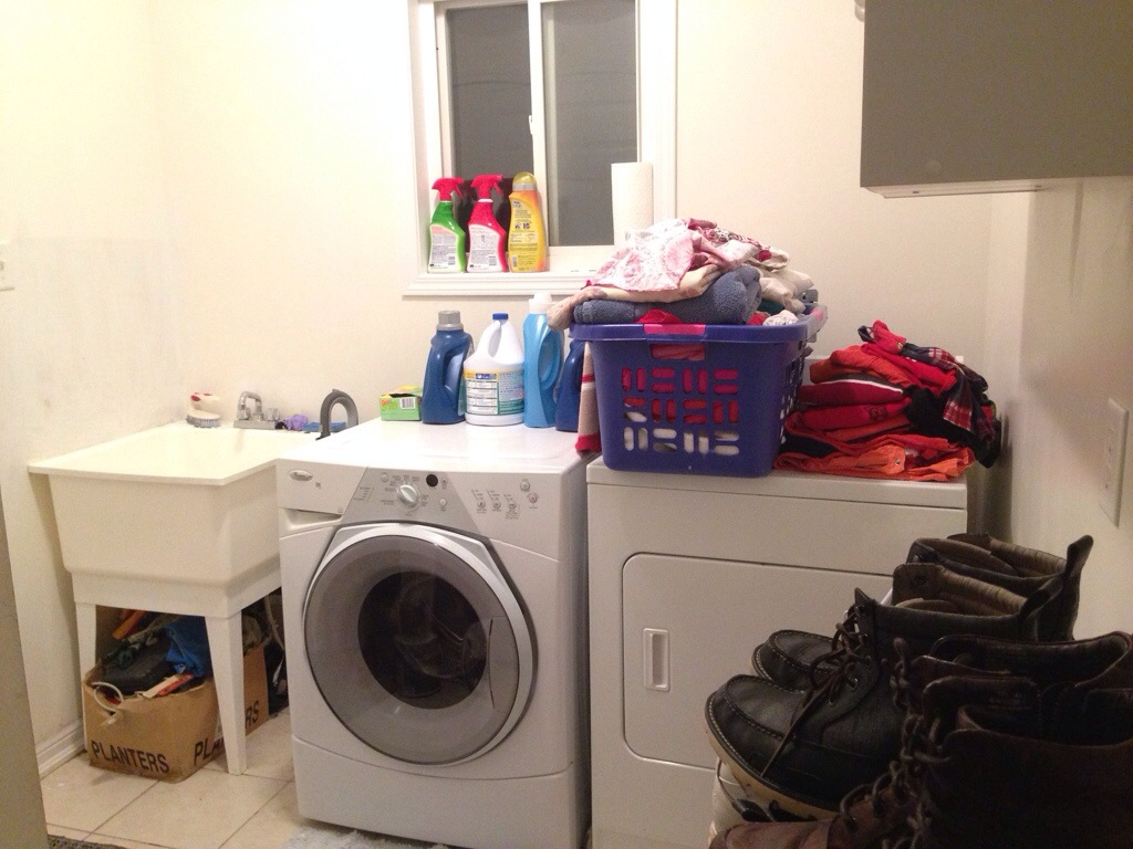 Project Santa: Laundry Room Makeover