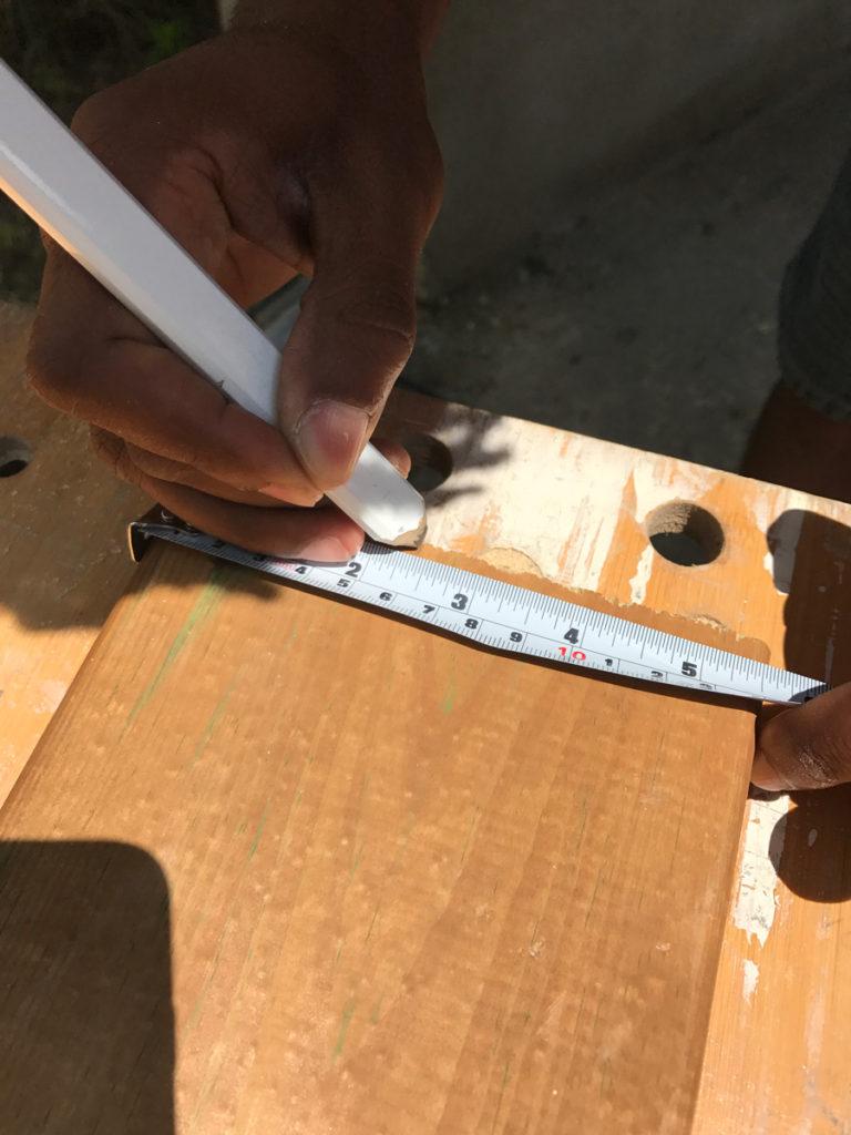 Marking first measurement for leg cut